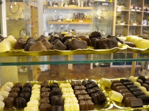 chocs-in-cabinet