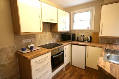 flat 1 kitchen 2