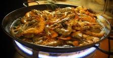 Gambas pil pil (sizzling gambas prawns)