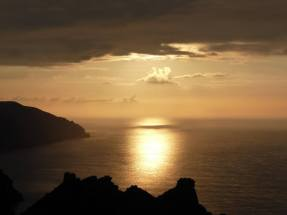 0308-alan-mccarten-view-of-the-sunset-over-valley-of-rocks-from-hollerday-hill-from-back-in-april