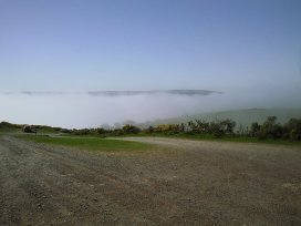 0408-dan-warren-%e2%80%8fdanwarren84-mist-over-countisbury-hill