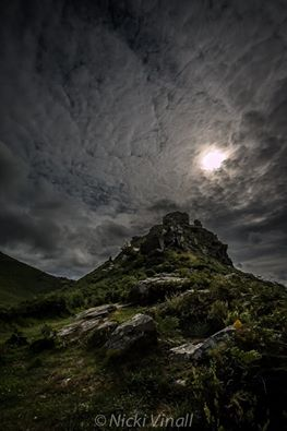 0908-nicki-vinall-the-fabulous-castle-rock-at-the-valley-of-the-rocks-one-late-summer-evening