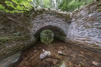 1208-andrew-de-mora-pooley-bridge