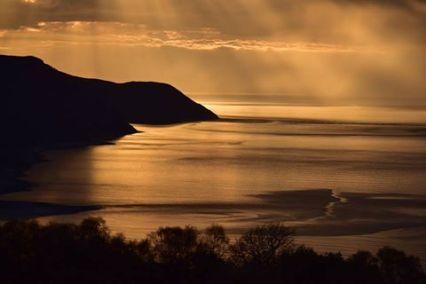 1708-jim-gulliford-taken-in-april-had-the-light-there-for-just-a-few-minutes-and-then-it-was-gone-again-feel-privileged-to-have-seen-this-sunset