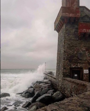 beckiewilde-high-tide-at-lynmouth-harbour