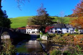 307-croft-house-bb-autumn-colour-in-the-doone-valley