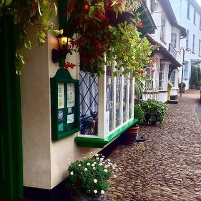 Dunster Part 2 - #dunster #village #somerset #exmoor #tearoom #hotel #oldhouse #old #historic #buildings #flowers #medievaltimes #english #history #england #villagelife #countryside #countrylife #visiting #ukig #vacation #places #autumn #beautifulplace #myloves #myworld #lovelyplace #lovely #quiet #september 📷: @hull_ster2890