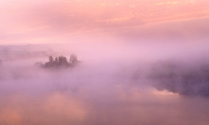 Fiona Keene 03 - Lake dawn mist